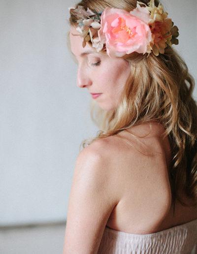 Corona de flores de seda. Foto: Kissandchips