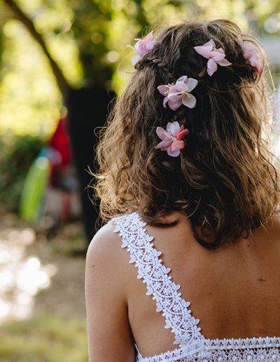 Horquillas de flores de seda. Foto: Antonio Márquez